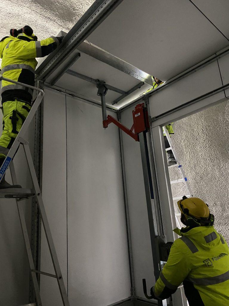 Installasjon av Foamrox elementer i tunnel